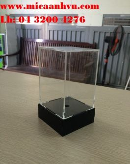 Hộp mica trưng bày đế dạng hộp dày