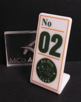 Thẻ số bàn in UV logo